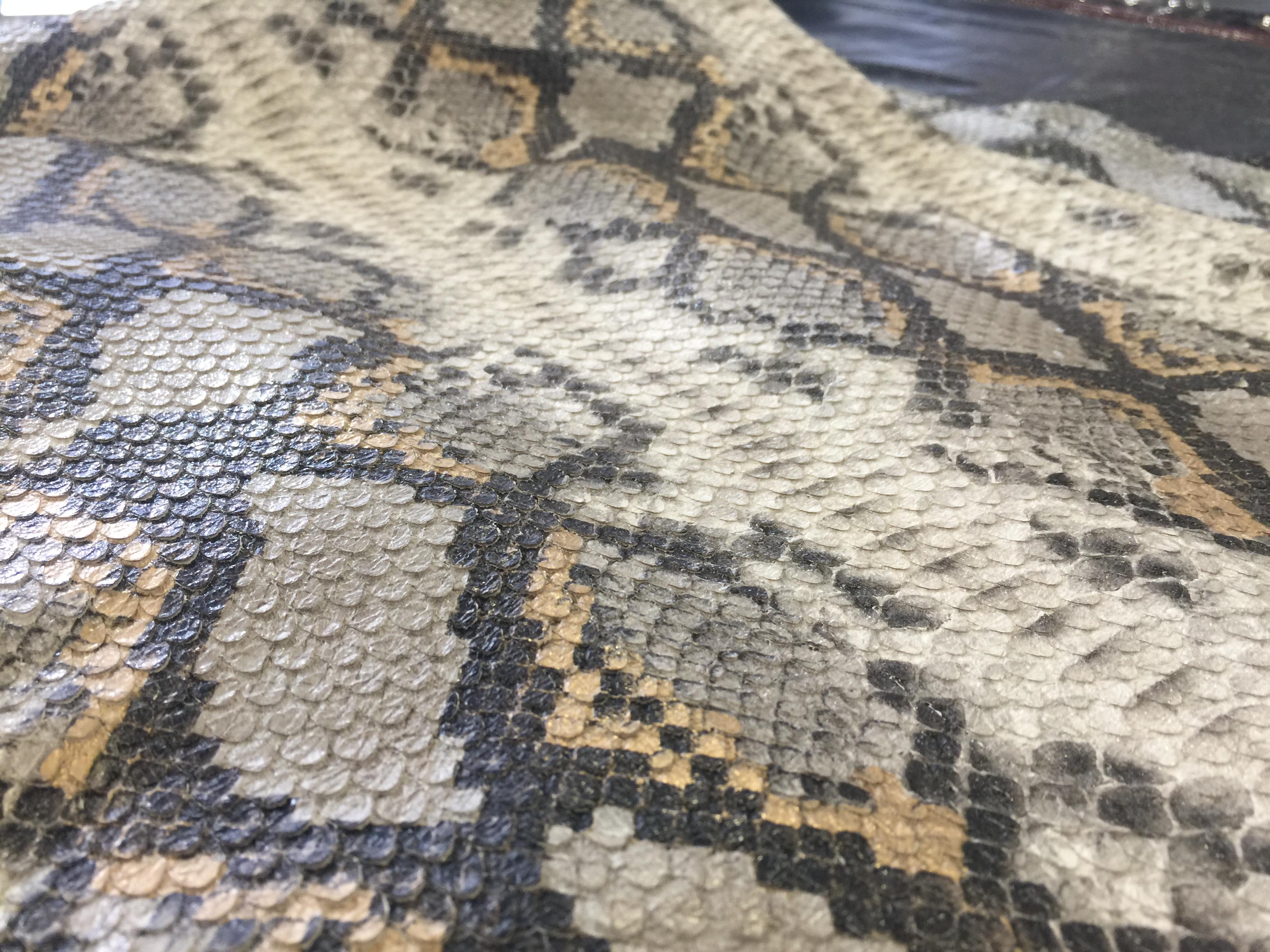 Snake Design Stretch Lamb